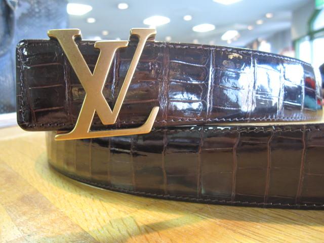 Louis Vuittonバックルに合わせて